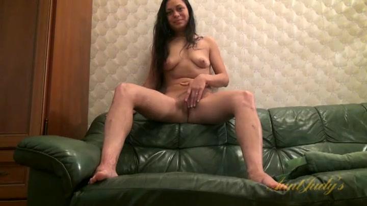 Malaysian girls boobs