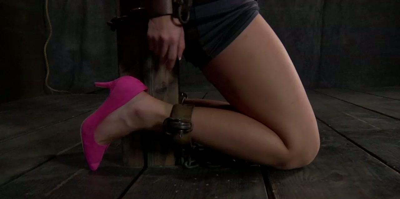 nudist Natalie Lopez