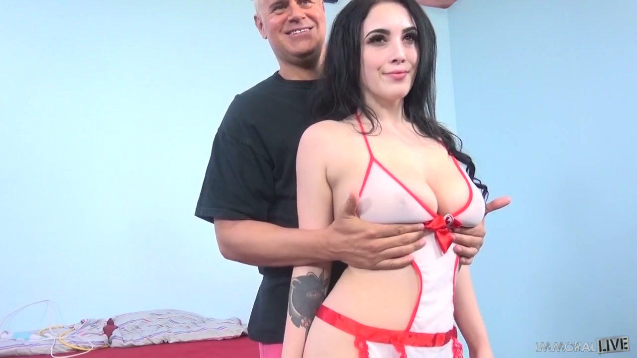 girls hot ass beach