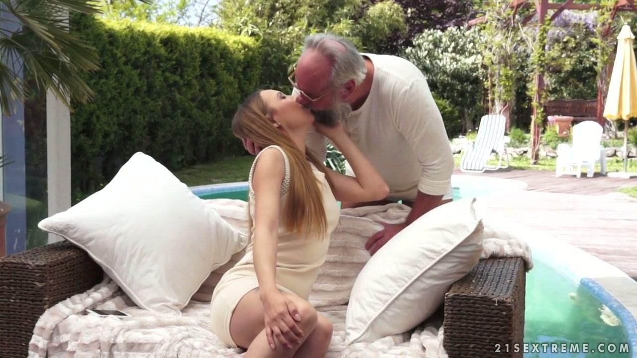 boobs suckling busty xn lesbians