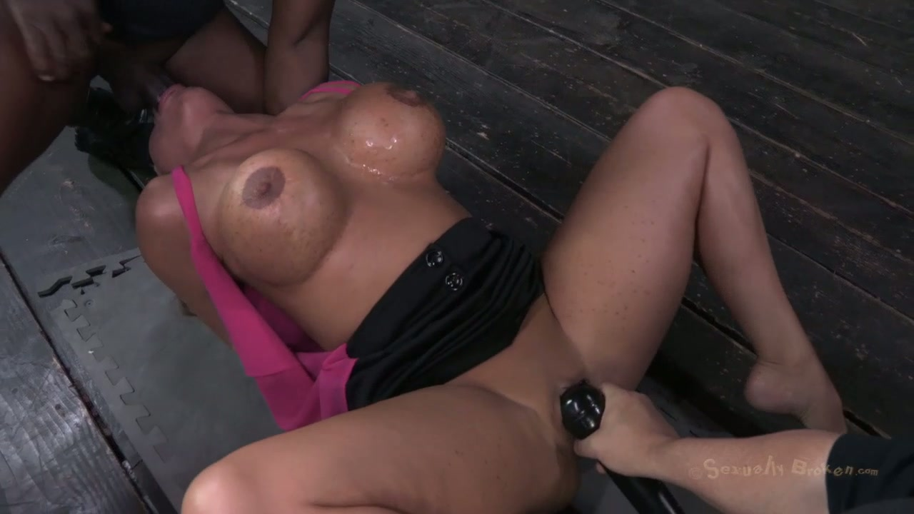 sex having Busty blondes