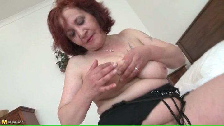 anal Anya ivy