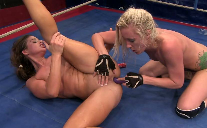 nude Sexy busty milfs