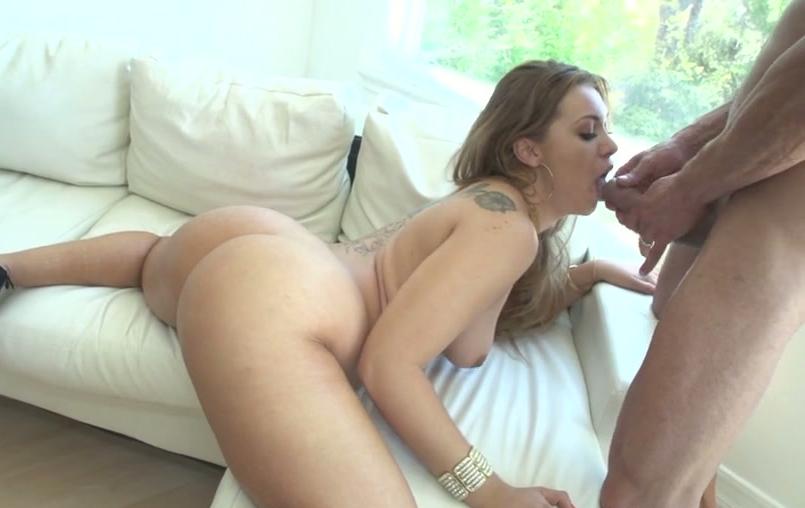 baiser qui se femme fait nue