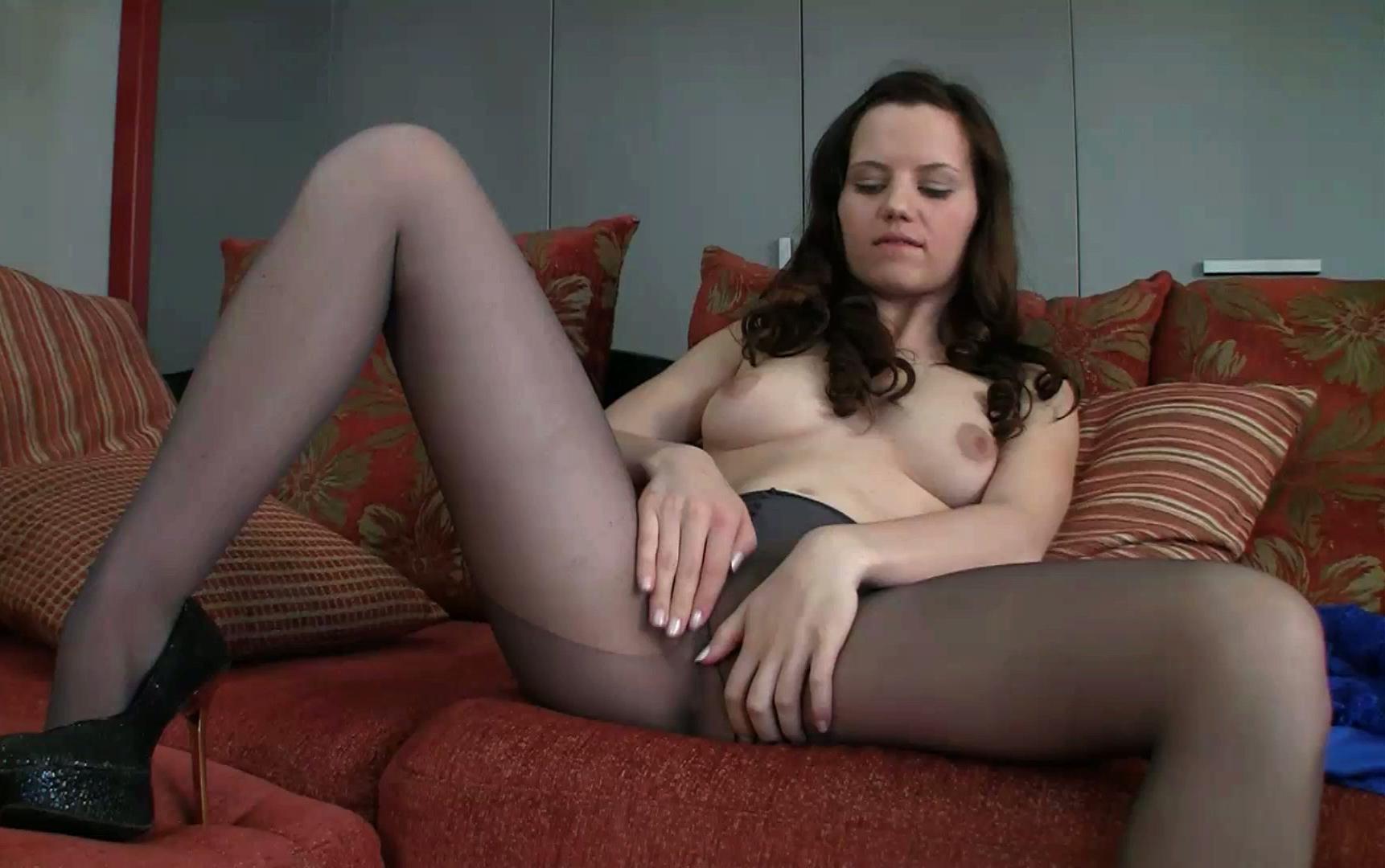 cormier naked Valerie