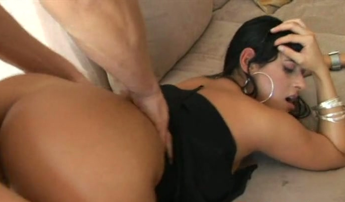 video with tits Girl plays